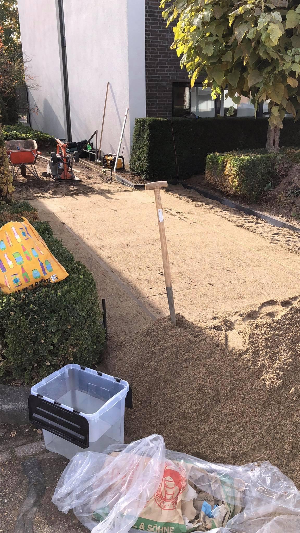 Maurits Garden - Portfolio - Tuinaanleg - bestrating oprit - Tuin Onderhoud 5